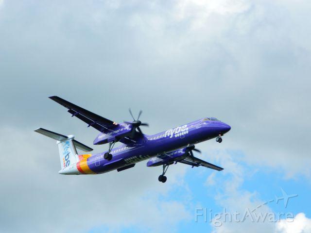 de Havilland Dash 8-400 (G-JECY)