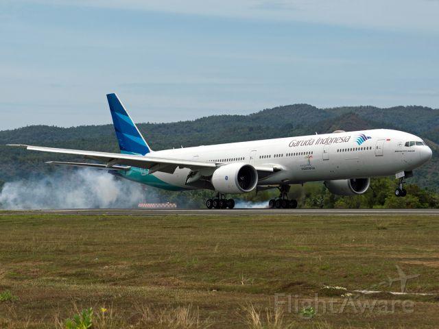 BOEING 777-300 (PK-GIH)