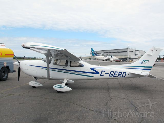 Cessna Skylane (C-GERD) - The Skylane is one of the best personal travel aircraft.