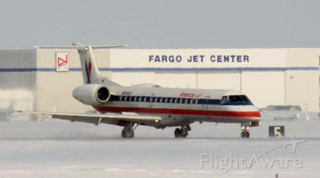 Embraer ERJ-145 (N694AE)