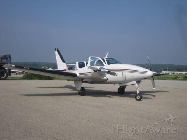 Beechcraft Baron (58) (N9876U)
