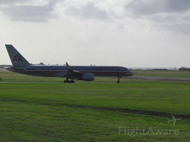 Boeing 757-200 (N676AN) - AA2719 to KMIA