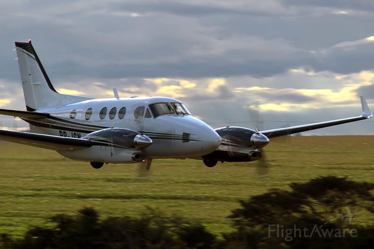 Beechcraft King Air F90 (PP-JSN) - IGUARACU AIRPORT - SSHN - BRAZIL (23° 14 42S 51° 52 32W)