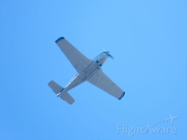 Beechcraft Bonanza (36) (N221DP)