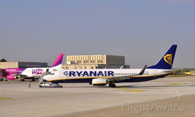 Boeing 737-800 (EI-ENR) - Ryanair Boeing 737-8AS(WL) EI-ENR in Bari Airport