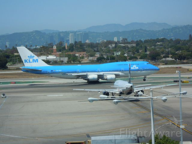 Boeing 747-400 — - KLM ROYAL DUTCH AIRLINERS 747-400 LAX