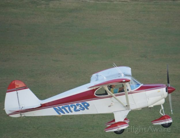 Piper PA-22 Tri-Pacer (N1723P) - Tower flyby from airboss