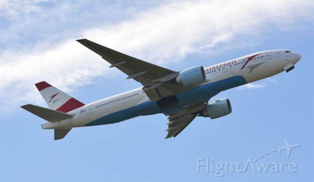 Boeing 777-200 (OE-LPA)