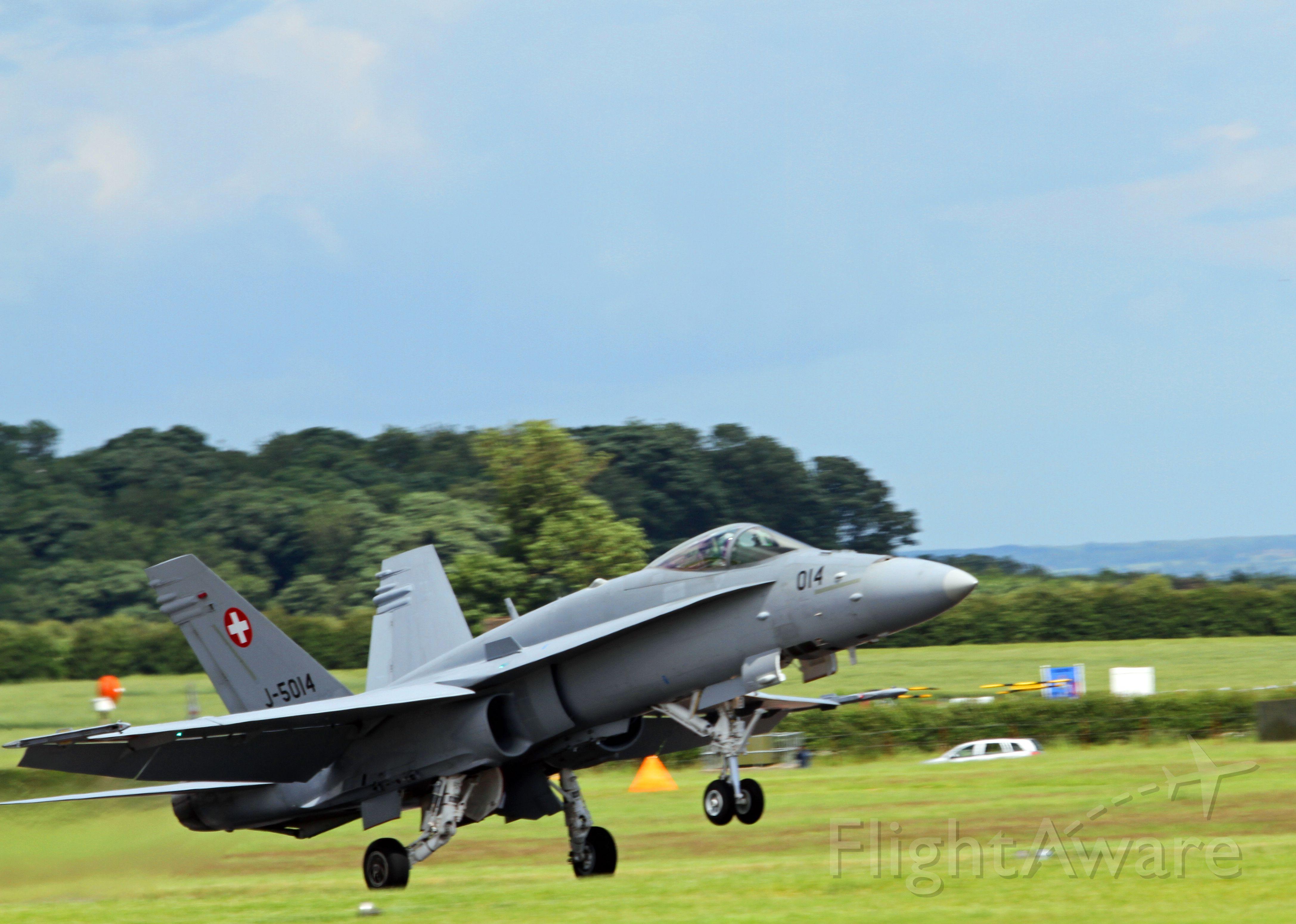 McDonnell Douglas FA-18 Hornet (J5014) - Dunsfold air show 2012