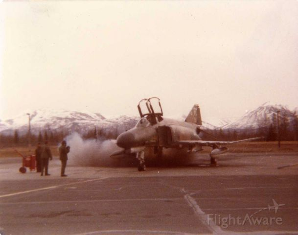 — — - Cartridge start at Elmendorf AFB Alaska 1978    Photo by John Chiappini