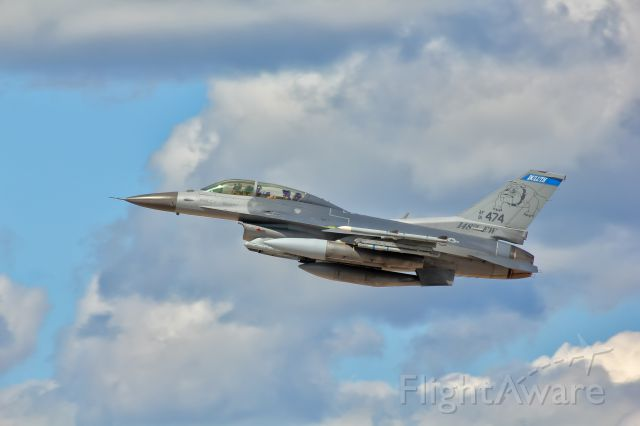 """Lockheed F-16 Fighting Falcon (91-0474) - One of the Air National Guard """"Bulldogs"""" F-16s blasting off from the Duluth, MN airport."""