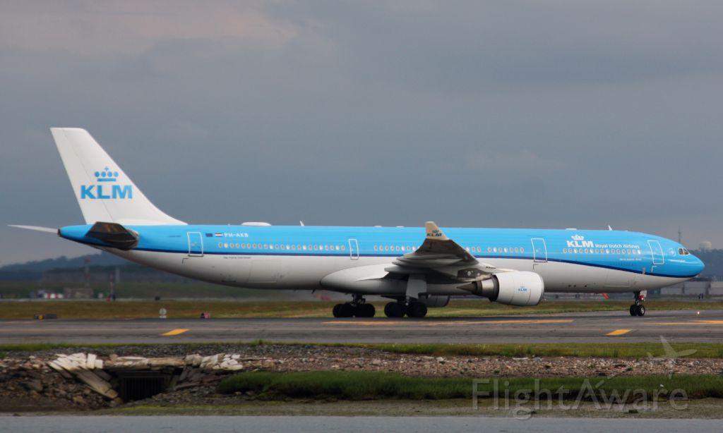 Airbus A330-300 (PH-AKB)