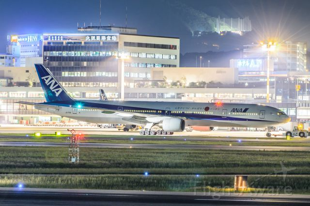 BOEING 777-300 (JA751A)