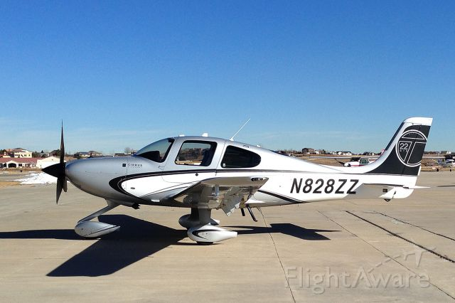 Cirrus SR-22 (N828ZZ) - Those folks in Duluth really know how to put together a stunning airplane.