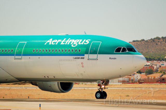Airbus A330-300 (EI-EAV)