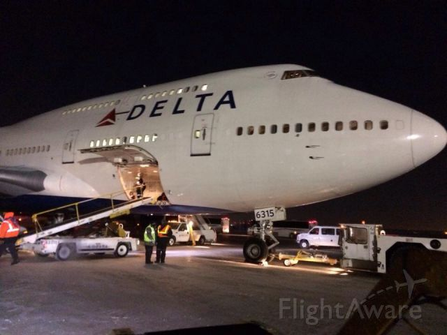 DAL6315 — - 747 was at ord for a charter