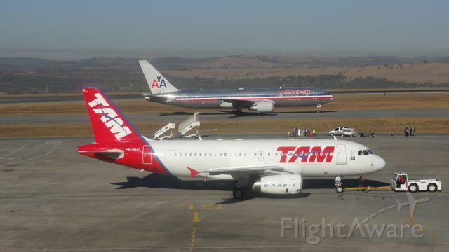 Airbus A320 (PR-MAL)