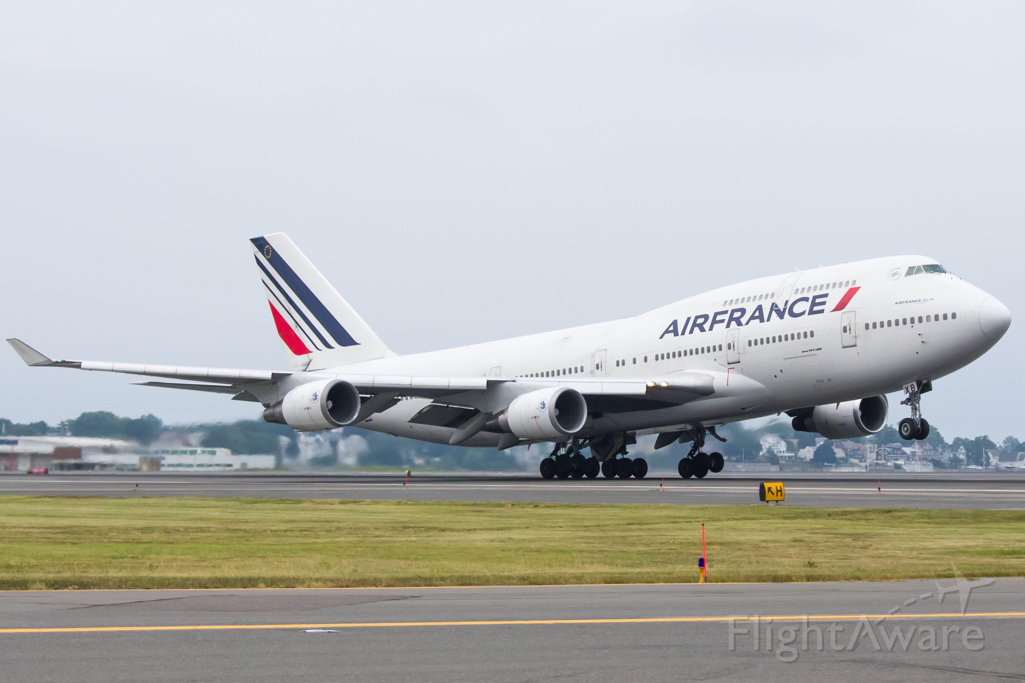 Boeing 747-400 (F-GEXB)