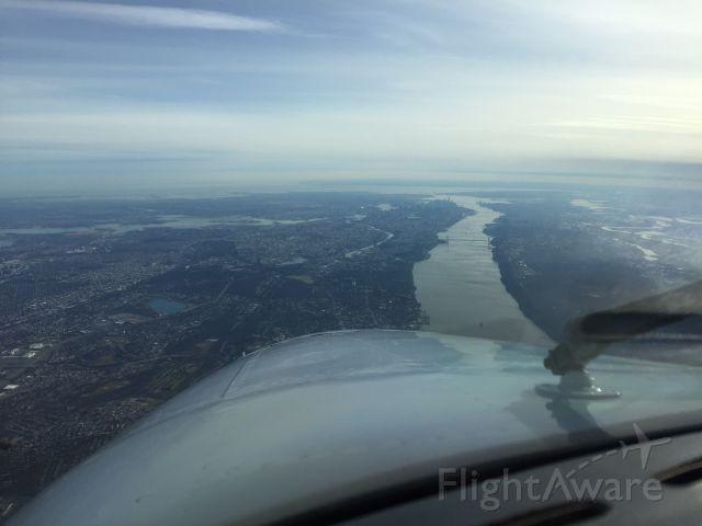 Beechcraft King Air 90 (N314AB) - Coming down the Hudson at 7000