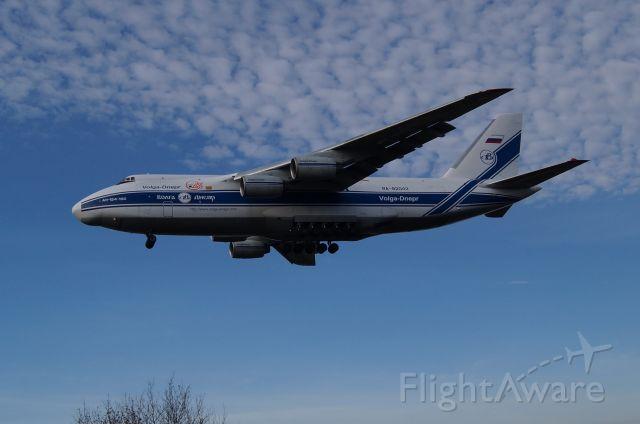 Antonov An-124 Ruslan (RA-82042)