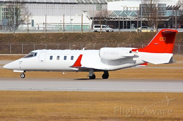 Learjet 60 (Z3-MKD)