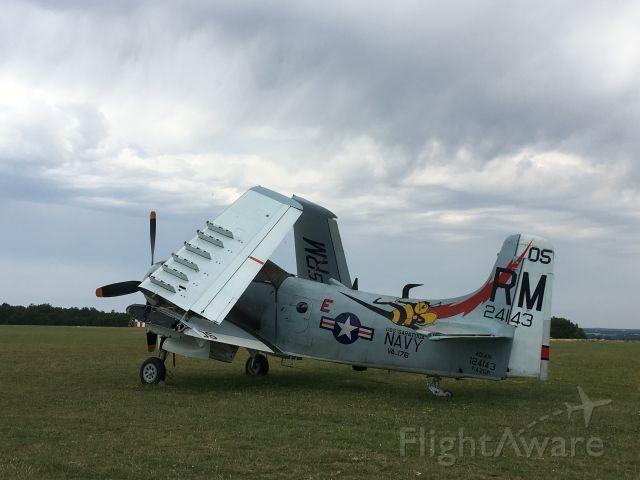 Douglas AD Skyraider (F-AZOP)