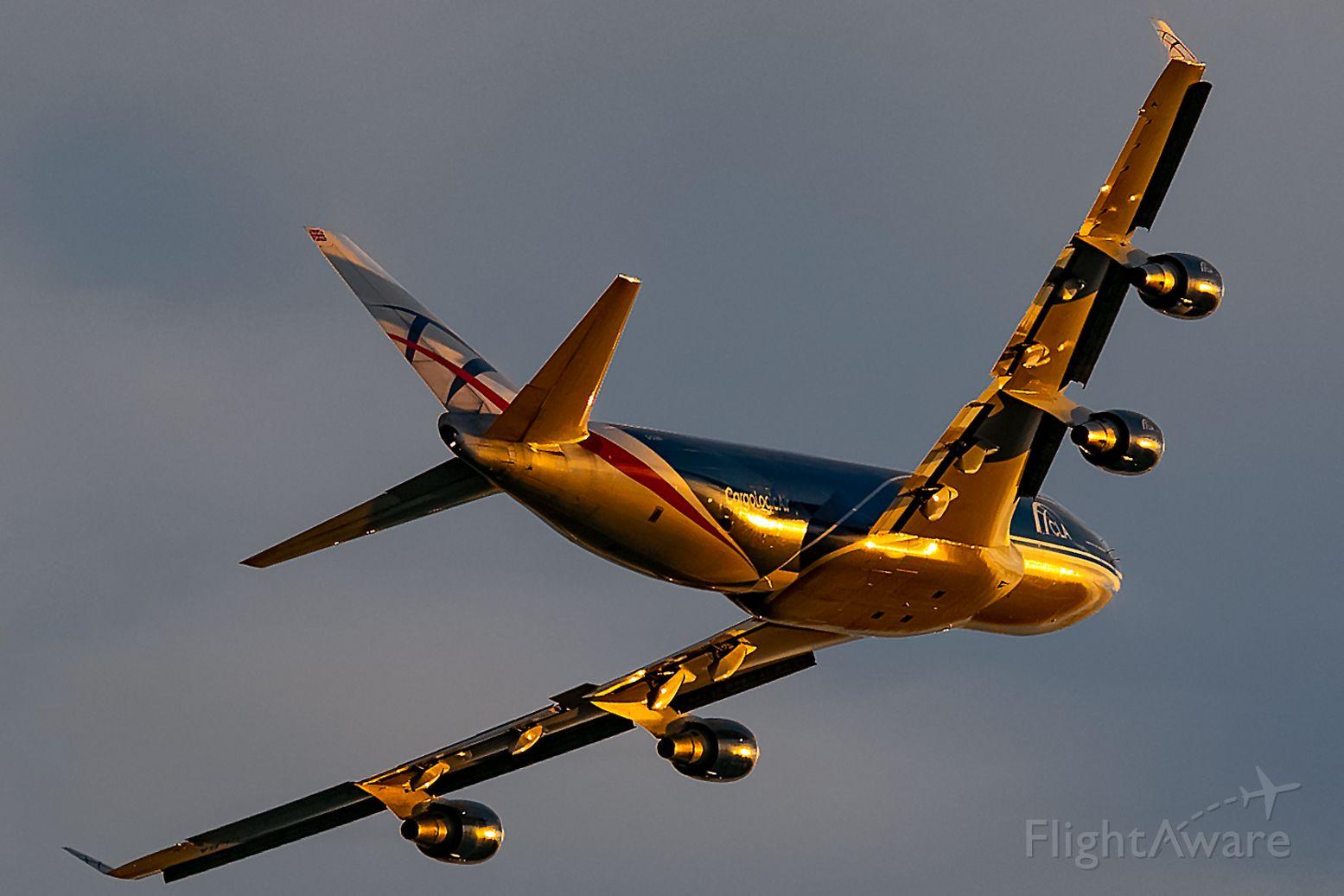 Boeing 747-400 (G-CLBA) - Southbound