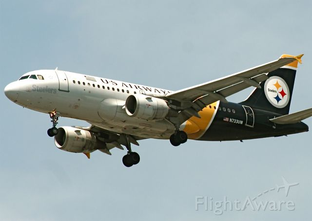 Airbus A319 (N733UW)