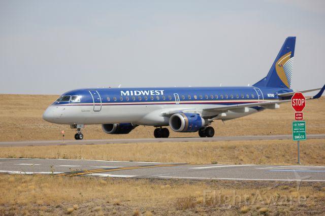 Embraer 170/175 (N171HQ)