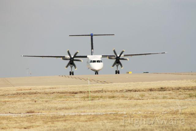 de Havilland Dash 8-400 (N208WQ)