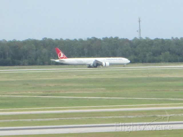 BOEING 777-300 (TC-JJK)