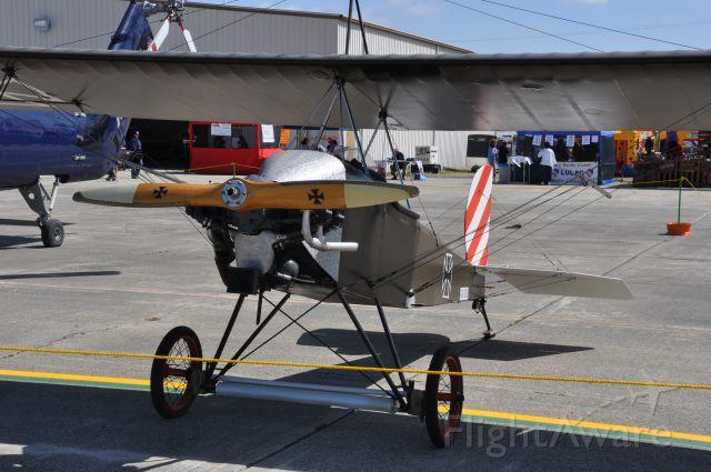 — — - Fokker D-VIII