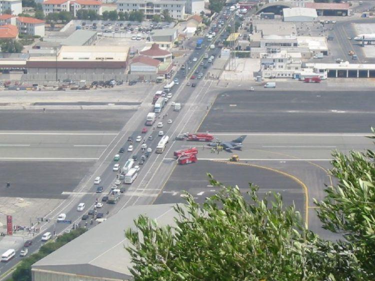 — — - Runway grade X ing Gibraltar