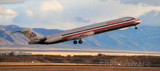 McDonnell Douglas MD-80 (N7550)