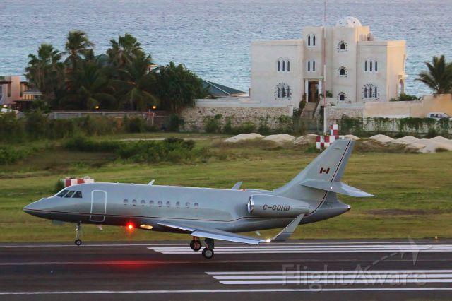 Dassault Falcon 2000 (C-GOHB)