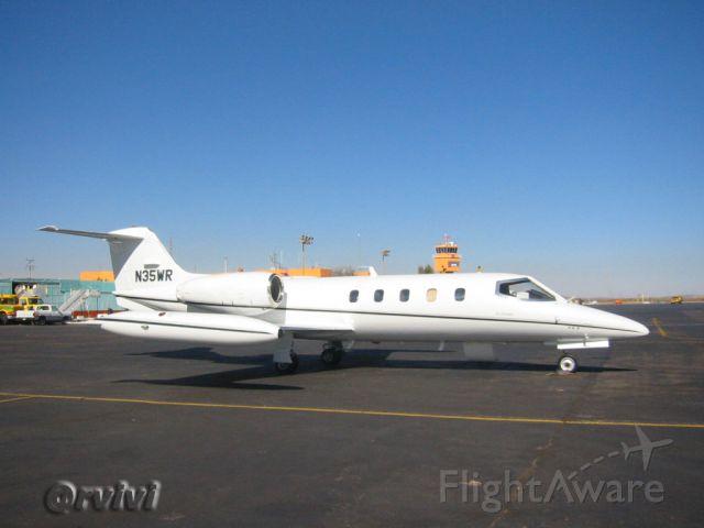 Learjet 35 (N35WR)