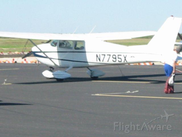 Cessna Skyhawk (N7795X)
