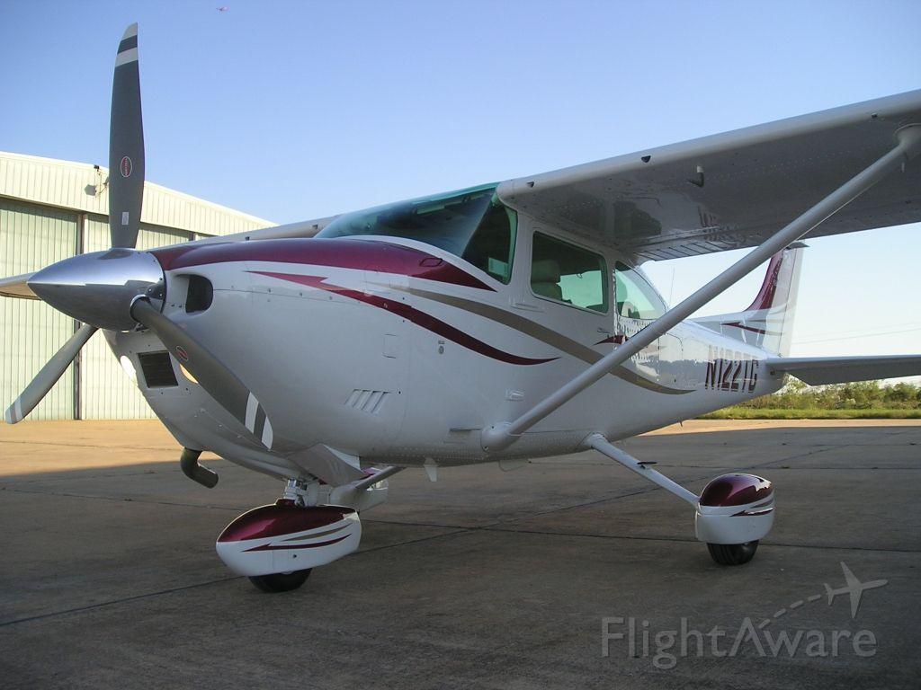 Cessna Skylane (GRC22TG)