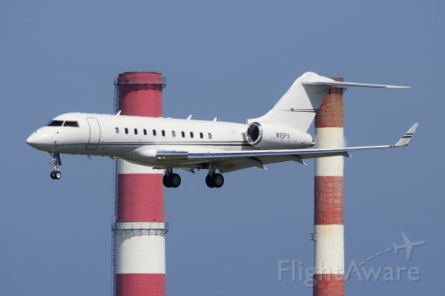N15PX — - BD-700 Global Express with the KFLL stacks