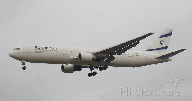 BOEING 767-300 (4X-EAL)