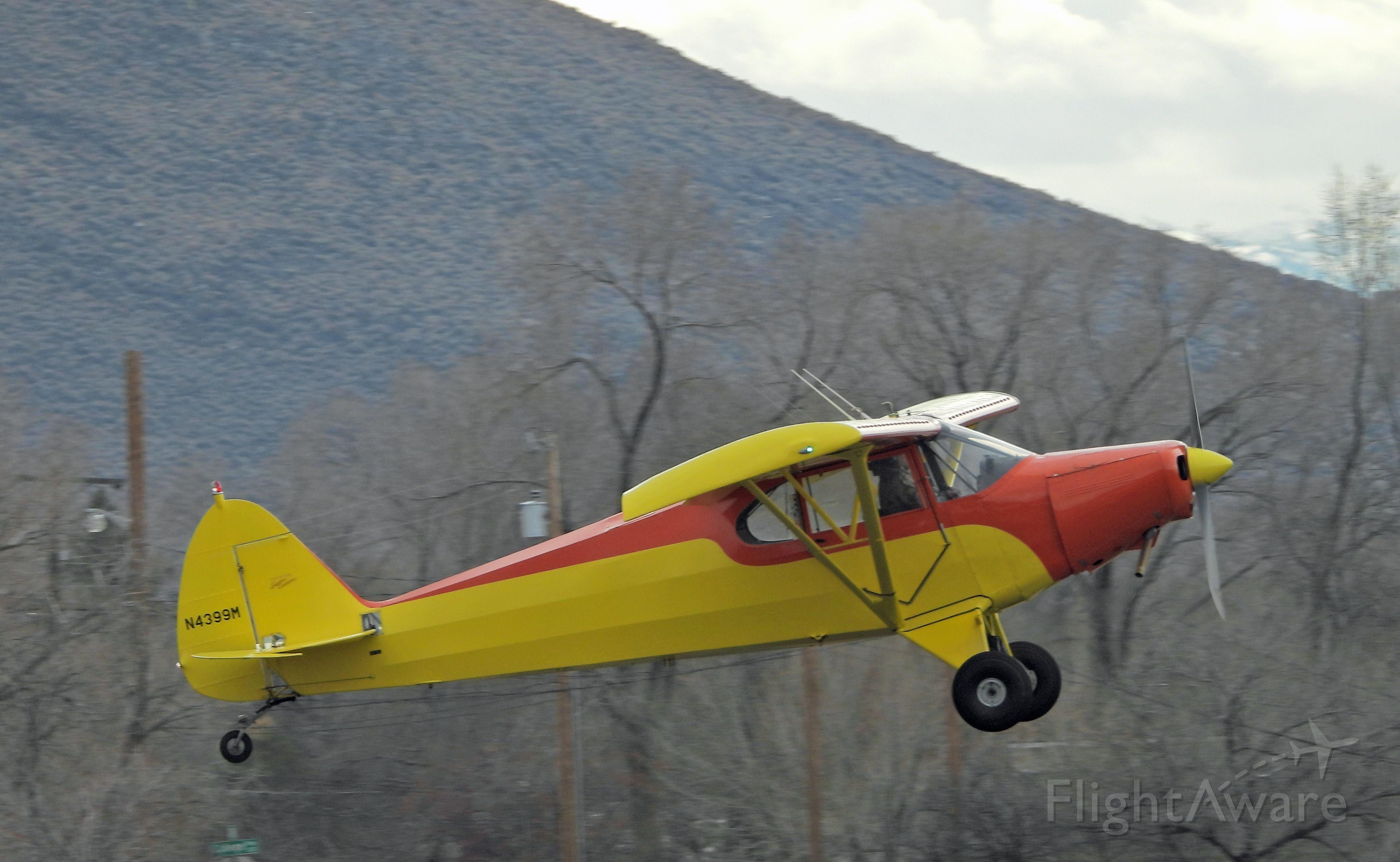 Piper PA-12 Super Cruiser (N4399M)