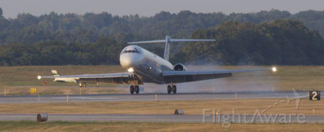 McDonnell Douglas MD-83 (N401NV)