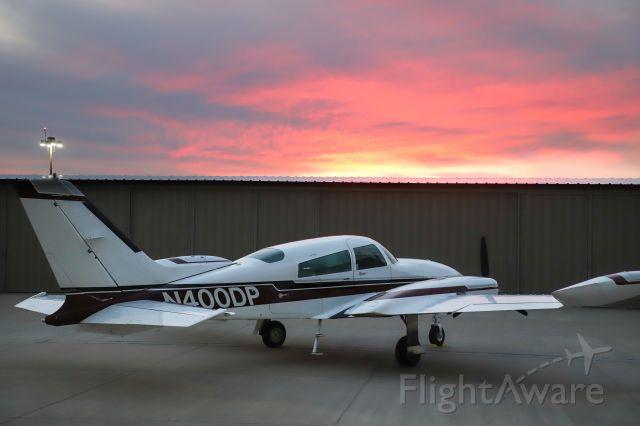 Cessna 310 (N400DP)