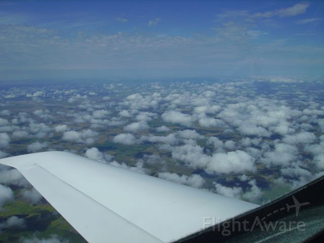 VIKING Dragonfly (C-GKPG) - View from above. Cruising 175 mph. 6 GPH. Almost 30 MPG.