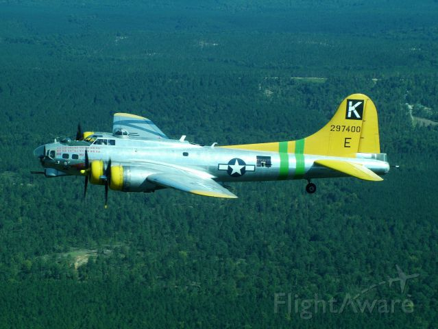 — — - Fuddy Duddy in flight over SC. Photo taken from friends Cessna 177RG Cardinal..... at full throttle while the B-17 was throttled back