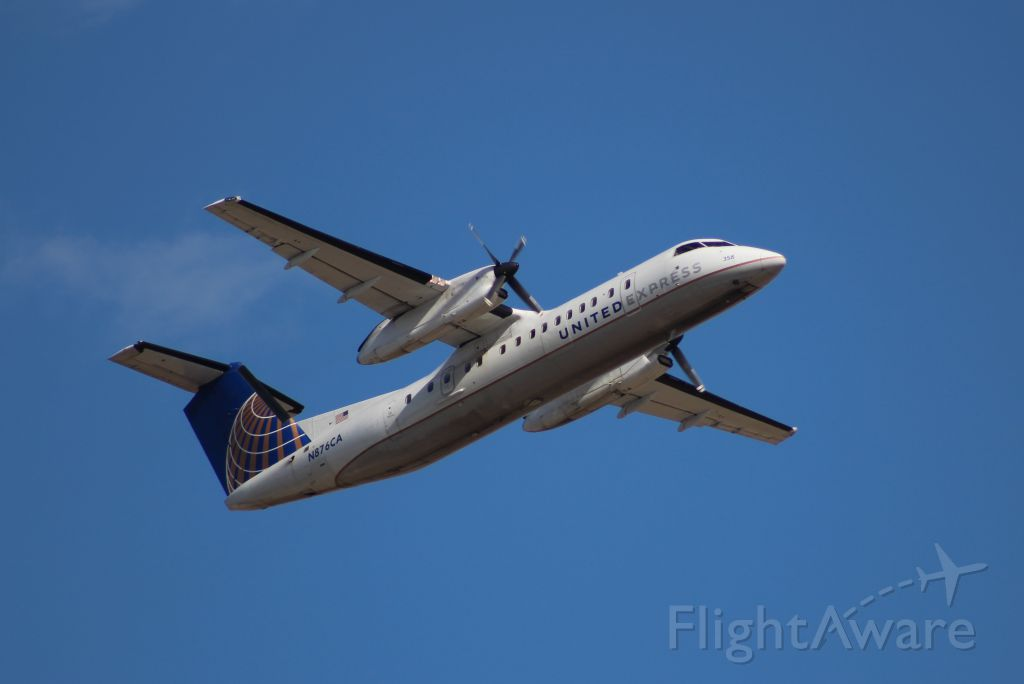 de Havilland Dash 8-300 (N876CA) - United started up their summer-seasonal service over to Newark again.