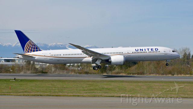 BOEING 787-10 Dreamliner (N12006) - UAL2686 from KIAD on short final to Rwy 34L on 4.1.19. (ln 814 / cn 60140).