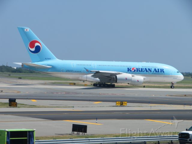 Airbus A380-800 (HL7628) - A Korean A380 begins its takeoff roll for a departure to Seoul, South Korea from JFK.