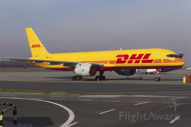 Boeing 757-200 (D-ALEE) - Boeing 757-236(SF) D-ALEE EAT Leipzig