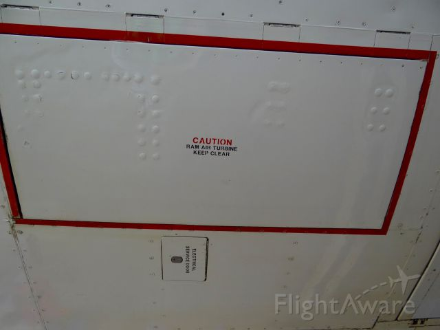 Boeing 757-200 (N939FD) - Where the RAT is located on the 757-200.